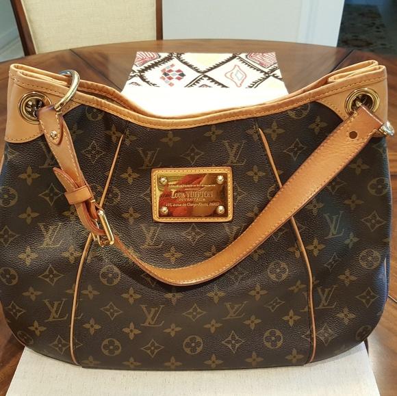 201e28e7156 Louis Vuitton Galleria PM Date Code MI0078